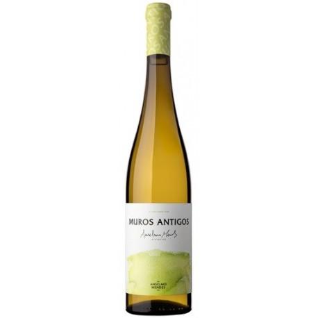 Muros Antigos Loureiro White Wine